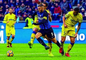 Inter alcanza el liderato de la Liga italiana