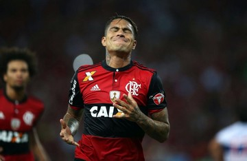 Flamengo quiere rescindir contrato de Paolo Guerrero
