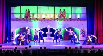 Tradiciones sucrenses seducen en baile