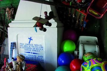 """""""Raulito"""" hace milagros 84 años después de su muerte"""