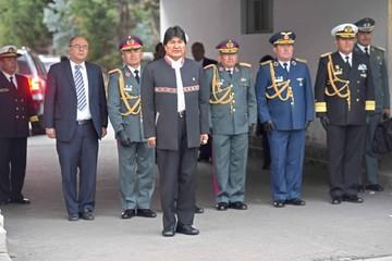 Presidente posesiona a un nuevo Alto Mando Militar