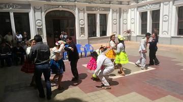 Villa Serrano espera a miles
