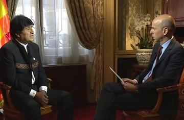 Evo Morales reacciona ante periodista francés que le insinuó que actuaba como dictador