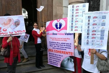 Defensores de la vida y familia solicitan veto presidencial en tema de causales del aborto