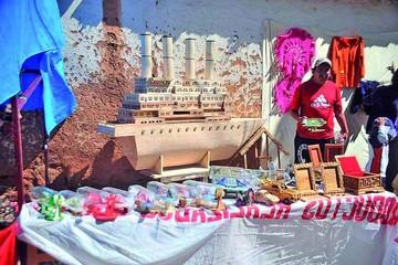Privados de libertad ofertan artesanías por fin de año