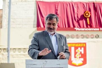"""Vamos a ganar por dos o tres puntitos"", asegura Alejandro Guillier"