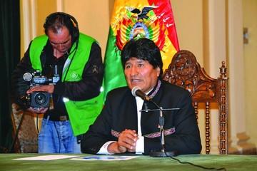 Evo recuerda su primer triunfo con críticas y defensa de Palacio