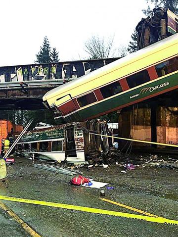 EEUU: Descarrila un tren y deja víctimas y heridos
