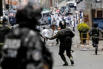 Reportan varios médicos heridos tras enfrentamiento con la Policía