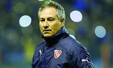 Campeón de la Sudamericana se queda sin técnico