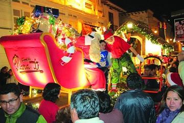 La carroza de Chocolates Para Ti aviva la Navidad