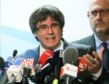 Puigdemont busca diálogo con Rajoy