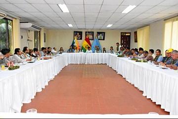 Sectores sociales exigen a ministros más coordinación