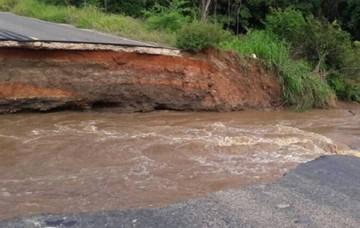 ABC cierra carretera Santa Cruz-Trinidad por colapso de alcantarilla en tramo Surucusi