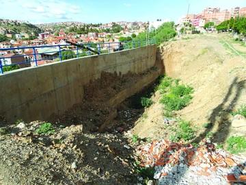 Obras en zona de riesgo tienen demora