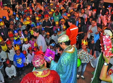 Visita de los Reyes Magos al niño Jesús