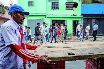 Venezolanos protestan por escasez de productos