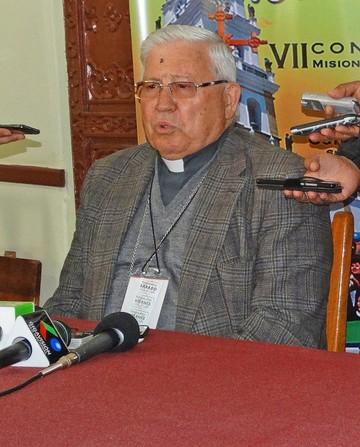Arzobispo llama a ser instrumentos de unidad en Reyes