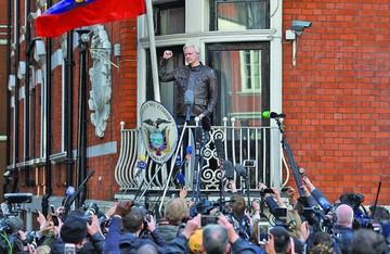 Reino Unido frustra la salida de Assange de embajada de Ecuador