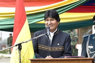 Evo señala a pequeños grupos que dan mala imagen de Bolivia en el rally Dakar