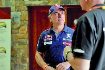 Penalizan a Sainz con diez minutos; Peugeot apelará