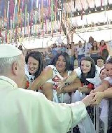 Chile: Papa pide perdón por abusos de sacerdotes