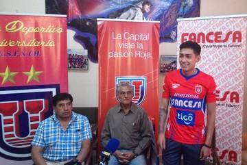 Leandro Maygua ya se puso la camiseta de Universitario