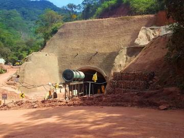 Cívicos reciben informe sobre túnel de Incahuasi