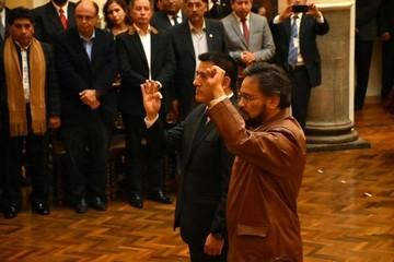 Presidente Morales posesiona a Rada y Zavaleta como nuevos ministros de Estado