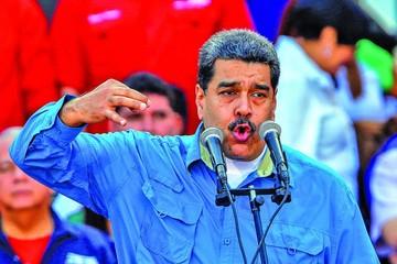 Venezuela adelanta fecha de elecciones generales