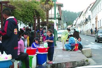 Ley de Carnaval prohibirá el juego con agua potable