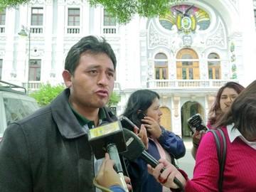 Límites: Serrano dice que no firmó nada con Pucara