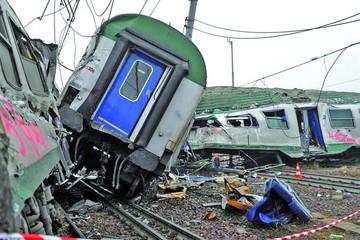 Milán: Mueren tres personas en accidente de tren