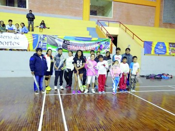 Bádminton muestra avance en Torneo Departamental