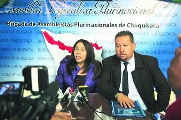 Diputados de UD acusan a Campero por el paro médico