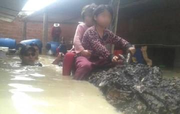 Lluvia en Vinto inunda casas por completo y familias son evacuadas