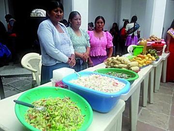 Compadres celebran con misa y fiesta tradicional