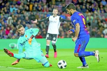 Copa: Barça saca ventaja  ante un defensivo Valencia