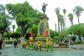 Conmemoran natalicio del Mariscal Sucre