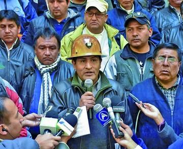 """Mitma: Resentidos buscan el """"paralelismo"""" en la COB"""