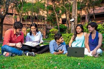 UPSA promueve intercambios con universidades del exterior
