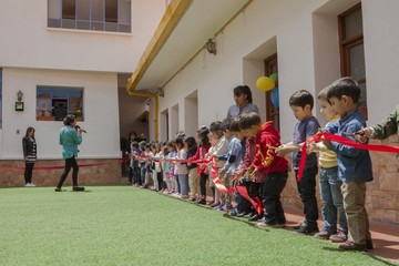 Kinder incursiona con programación infantil