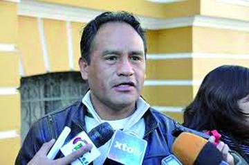 Investigan a Bonifaz  por panfletería contra un Ministro