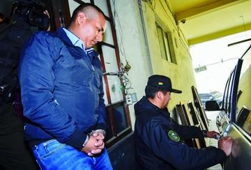Desfalco: Capturan a abogado y socio de acusado Juan Pari