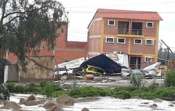 Reportan muerte de un niño y un adulto mayor por desborde de río en Tiquipaya