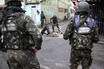 Al menos 23 detenidos en megaoperativo con apoyo de 3.000 militares en Río