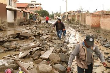 Tiquipaya sigue en zozobra; hay muertos y desaparecidos