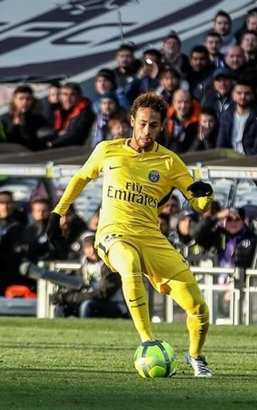 Neymar da la victoria al PSG
