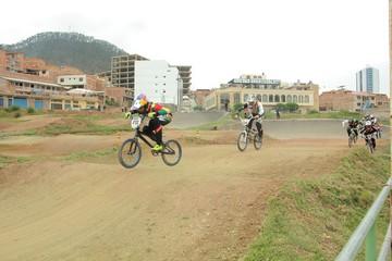 Sucre, a un mes de la Copa Latina de Bicicross