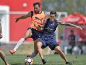 Independiente y Gremio se miden por la Recopa